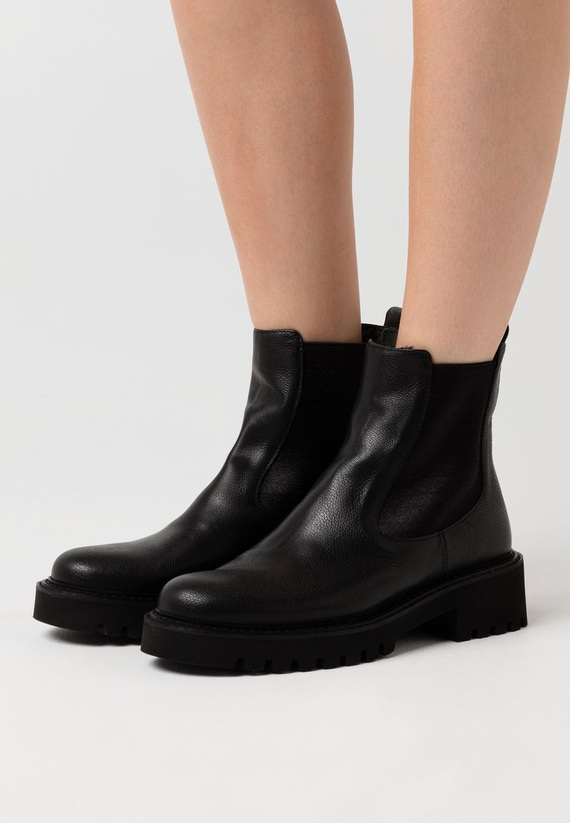 Homers - ROW - Platform ankle boots - black