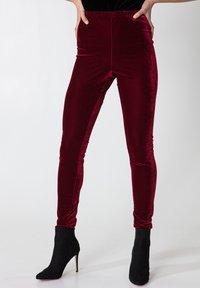 Indiska - Leggings - Trousers - red - 0
