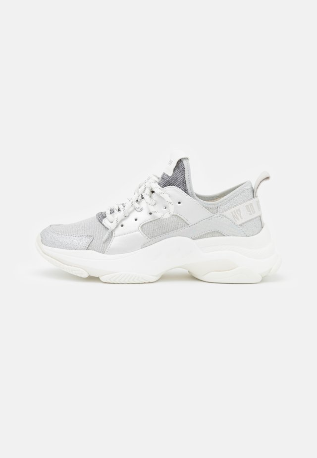 AJAX - Trainers - silver
