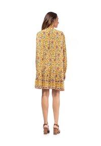 Tantra - Day dress - amarillo - 2