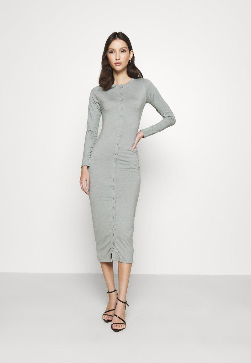 Missguided - BUTTON THROUGH MIDI DRESS - Jerseykjole - grey