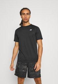 New Balance - ACCELERATE SHORT SLEEVE - Basic T-shirt - black - 0