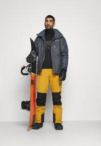 Brunotti - ANDRAS MENS SNOWPANTS - Zimní kalhoty - camel brown - 1