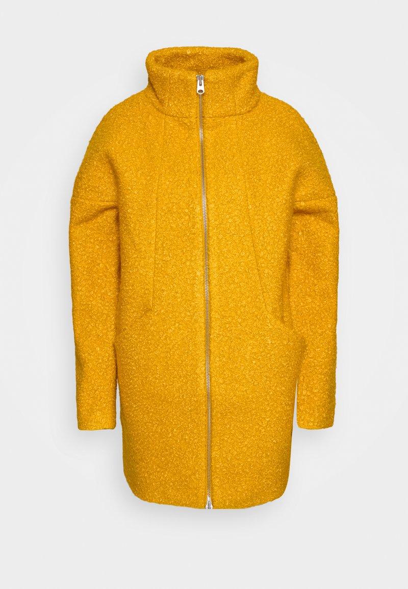 Q/S designed by - Zimní kabát - golden yellow