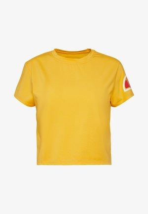 HEPBURN - T-shirt z nadrukiem - yellow