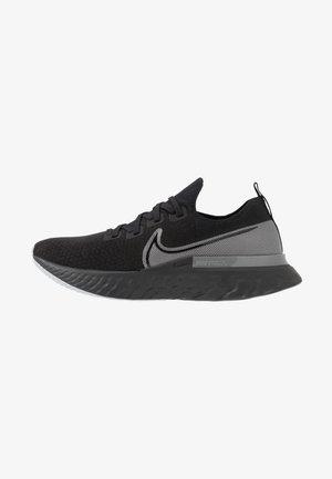 REACT INFINITY RUN FK - Neutral running shoes - black/metallic silver/dark grey