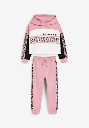 SET - Hoodie - pink