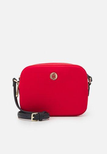 POPPY CROSSOVER - Across body bag - red
