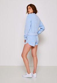 Tommy Jeans - PASTEL CREW - Collegepaita - light powdery blue - 2