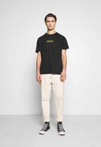 Night Addict - NAREALITY - Print T-shirt - black - 1
