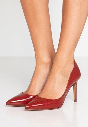 Zapatos altos - lara