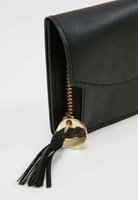 mint&berry - LEATHER - Wallet - black - 2
