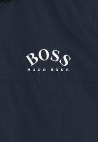BOSS Kidswear - Vodotěsná bunda - navy - 2