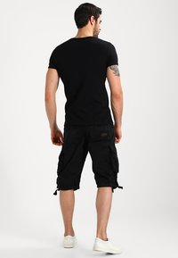 Alpha Industries - JET - Shorts - schwarz - 2