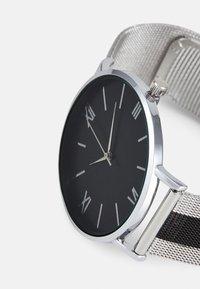 Pier One - SET - Klokke - silver-coloured/black - 4