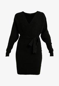 Vero Moda - VMREMI V NECK DRESS - Neulemekko - black - 5