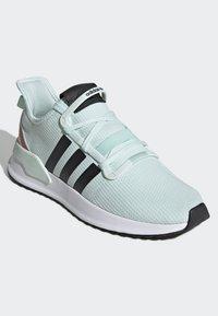 adidas Originals - U_PATH RUN SHOES - Trainers - green - 2