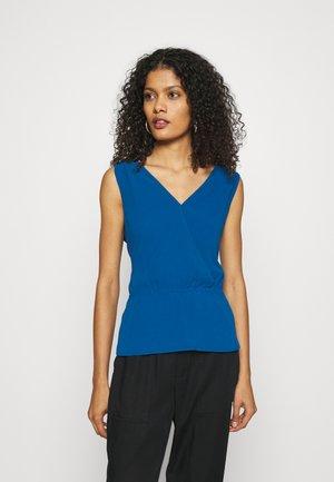 DOUBLE V NECK PEPLUM - Top - shibori blue