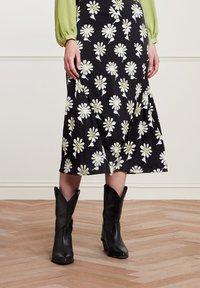 Fabienne Chapot - CLAIRE - A-line skirt - black  pistache - 1
