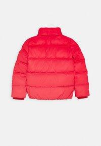 Tommy Hilfiger - PADDED REFLECTIVE JACKET - Zimní bunda - red - 2
