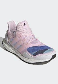 adidas Performance - ULTRABOOST S&L DNA SHOES - Zapatillas de running neutras - pink - 2
