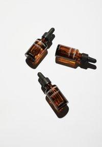 Grown Alchemist - INSTANT SMOOTHING SERUM TRI-HYALURONAN COMPLEX - Serum - - - 3