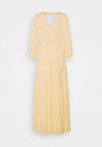 YASLUMEN WRAP 3/4 - Vestito lungo - transparent yellow