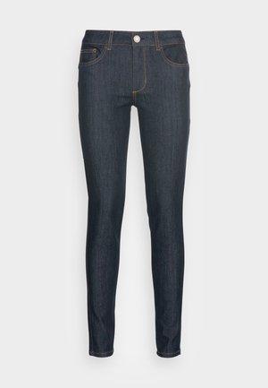 DIVINE - Jeans Skinny Fit - normal wash