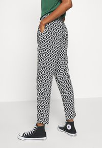 ONLY - ONLNOVA LIFE PANT - Trousers - black - 4