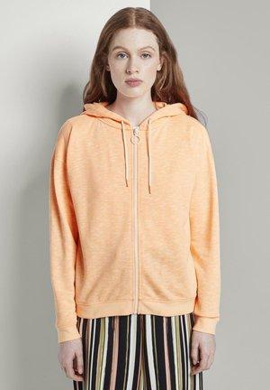 STRICK & SWEATSHIRTS LOCKERE SWEATJACKE MIT KAPUZE - Zip-up hoodie - dark papaya neon orange