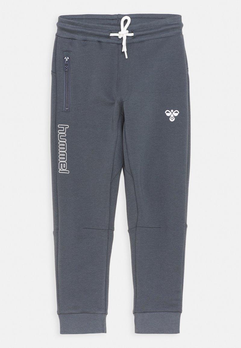 Hummel - OCHO PANTS UNISEX - Teplákové kalhoty - ombre blue