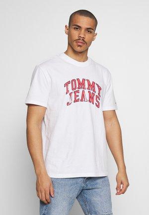 NOVEL VARSITY LOGO TEE - Print T-shirt - white