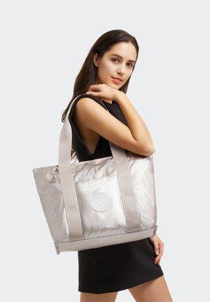ERA M - Tote bag - metallic glow