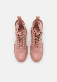 Coach - LANA BOOTIE - Lace-up ankle boots - dusty rose - 4