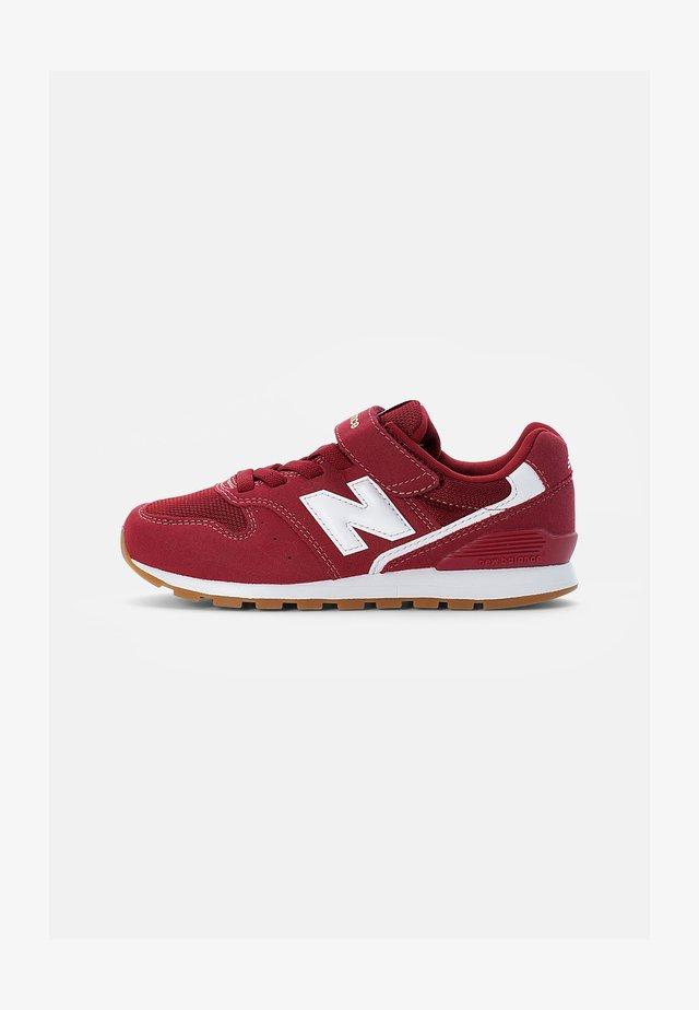 996 - Sneakers - burgundy
