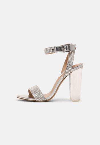 YUMA-R - Sandals - silver