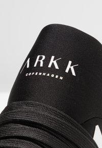 ARKK Copenhagen - RAVEN - Trainers - all black/white - 5