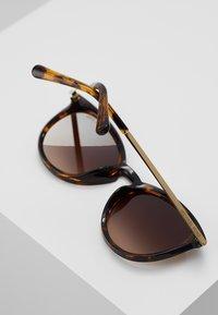 Michael Kors - CHAMONIX - Sluneční brýle - dark tort - 4