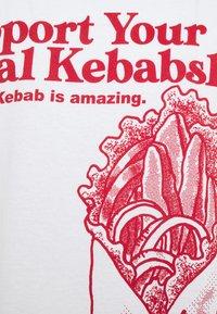 Vintage Supply - KEBAB NATION  - Print T-shirt - white - 3
