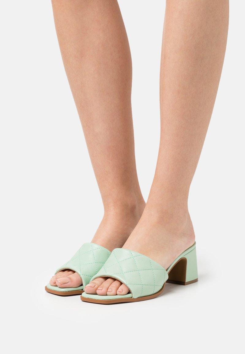 Hash#TAG Sustainable - Heeled mules - verde