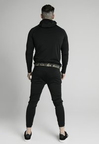 SIKSILK - SCOPE TAPE ZIP THROUGH HOODIE - Felpa aperta - black - 2