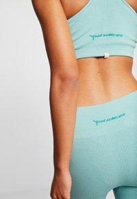 Yogasearcher - SHANTI - Legging - celadon - 4