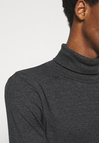 Marc O'Polo - LONG SLEEVE TURTLE NECK STRIPED - Long sleeved top - black - 5