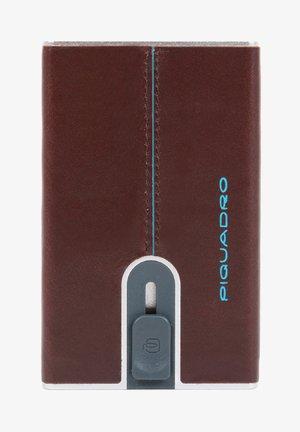 KREDITKARTENETUI  - Business card holder - mahagonibraun