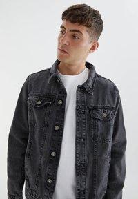 PULL&BEAR - Denim jacket - mottled dark grey - 4