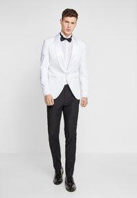 Jack & Jones PREMIUM - JPRLEONARDO SLIM FIT - Suit jacket - white - 1
