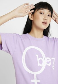 Obey Clothing - CHROMEOBEY - Print T-shirt - lavender - 3