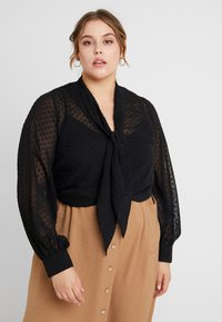 Fashion Union Plus - PUSSYBOW WITH CUT OUT FRONT - Bluse - black dobby - 0