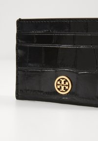Tory Burch - ROBINSON EMBOSSED CARD CASE - Peněženka - black - 3