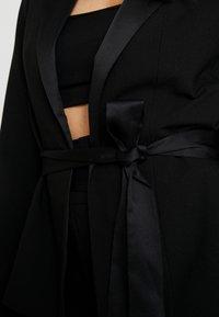 Missguided - FRIDAY BELTED FITTED - Sportovní sako - black - 5